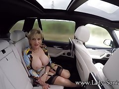 JOI foreign Lady Sonia dimension shes in make an issue of backseat of a motor vehicle