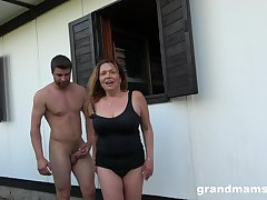 Horny mature wants to fuck with will not hear of young friend in the garden