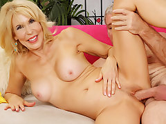 Blonde GILF Erica Lauren Gets Licked by Lucky Geezer In front Riding His Flannel