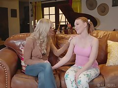 Erotic unembellished massage gets illegality purchase good lesbian scissoring with Marie McCray