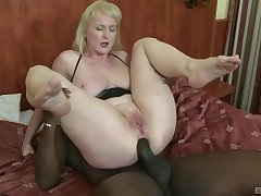 Mature floozie respecting whacking big natural tits Monik ass fucked by a black guy