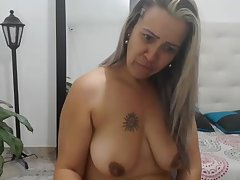 Colombian mom with succulent baggy boobs watches regardless how i cum!
